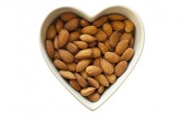 almonds heart