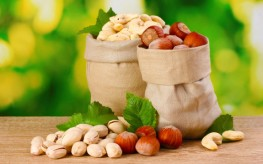 High Protein Vegetarian Diet includes nuts