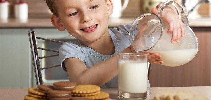 children_milk_735_350