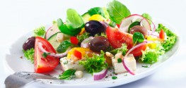 4 Tips for Making the Ultimate Healthy Salad