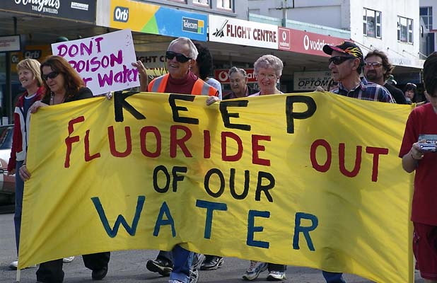 260510. News. Richard Edmondson/Northern News. Kaitaia residents marched in the main street in 2006 to voice their opposition to Far North Distrcit Council plans to fluoridate the town's water supply.