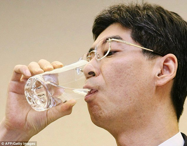 image-japanese-drink-decontaminated-water-13
