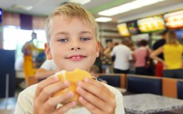 Harvard Professor Calls for Parents of Obese Children to lose Custody