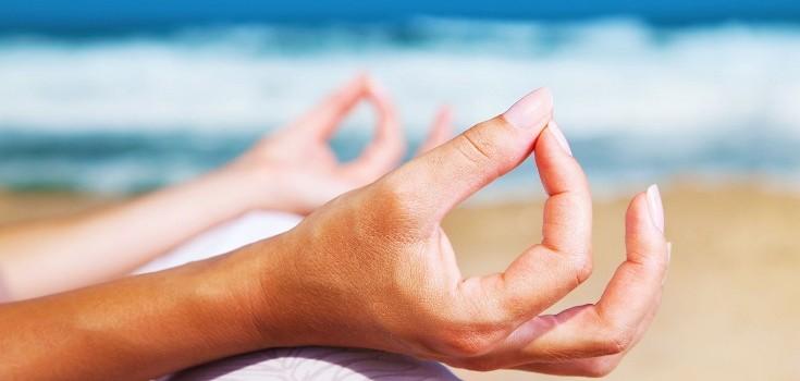 meditate_hands_735