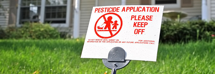 pesticide-sign-lawn-735-254