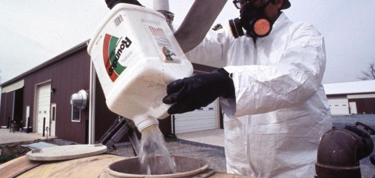 petsicides_roundup_chemicals_735_350