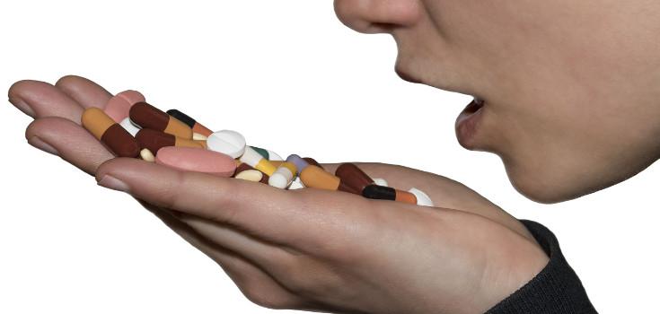 pills_takign_735_350