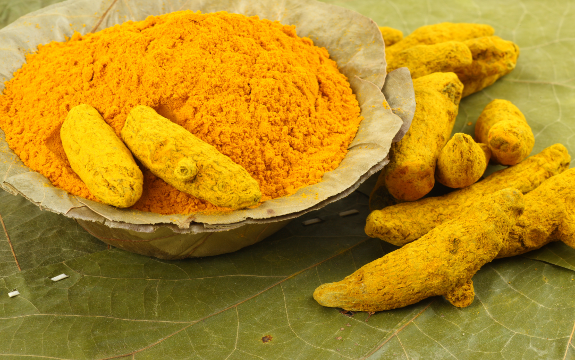 turmericpowderroot Beating Cancer with Nutrition   Turmeric Slows Spread of Breast Cancer