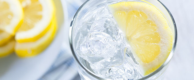 water-warm-lemon-680