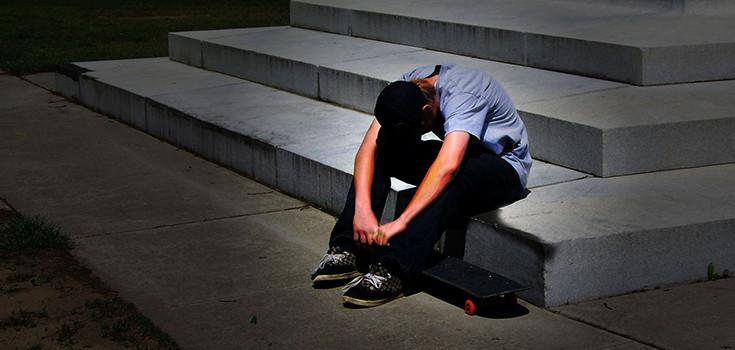 depression-tean-sad-emotion-735-350