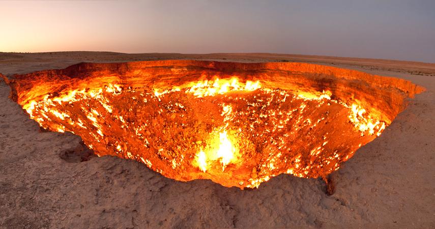 Darvaza gas crater panorama.