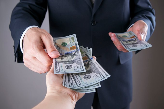 money-bribe-corruption-business-680
