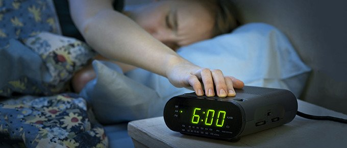 sleeping-girl-alarm-clock-680
