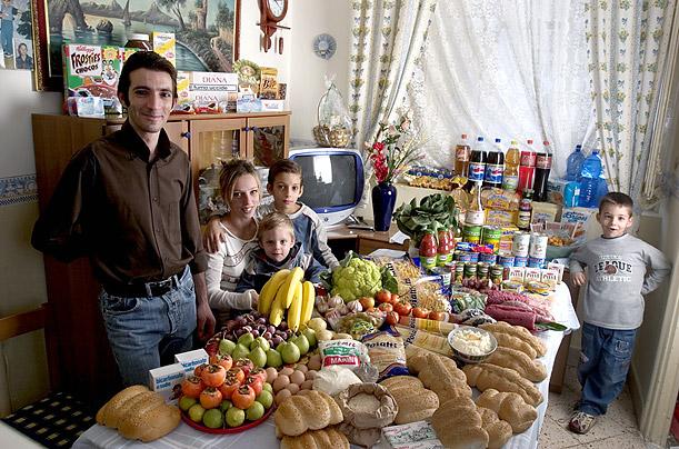Amazing Photos Show What the World Really Eats whattheworldeatsitaly
